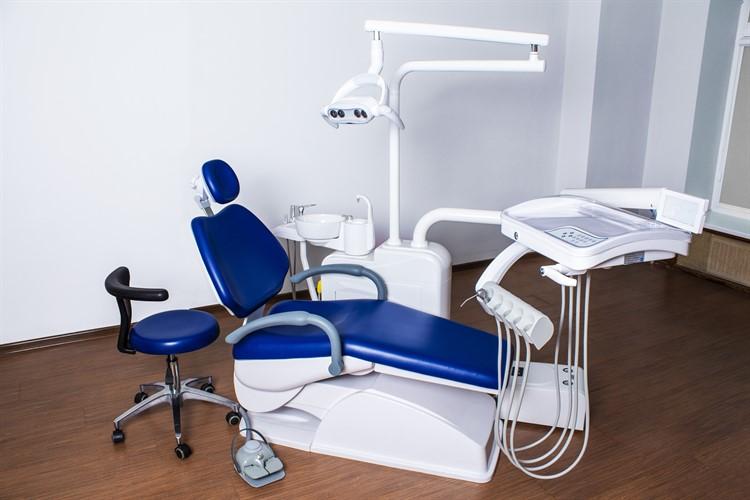 Процесс сборки стоматологической установки Mercury 1000